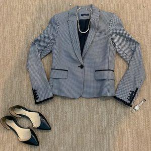 Tommy Hilfigure, houndstooth suit jacket. size 0